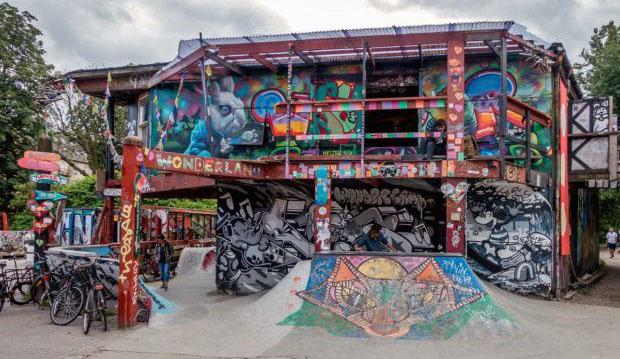 Escuché viajando en Christiania (Copenhague, Dinamarca).